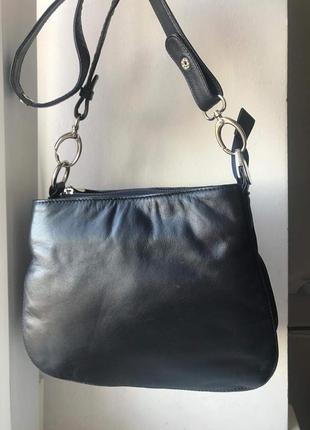 Кожаная удобная сумка