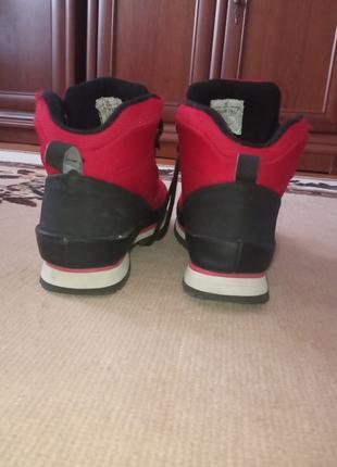 чоботи від бренда (house)