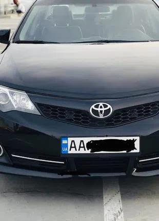 Аренда Toyota Camry с водит поездки по Киеву,Украине! Свадьбы!
