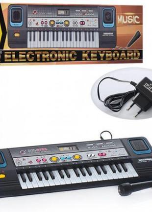Синтезатор MQ3782 микрофон,от сети,в кор. 47,5-14,5-5,5см