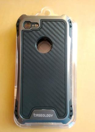Чехол противоударный caseology iPhone 7 / 8