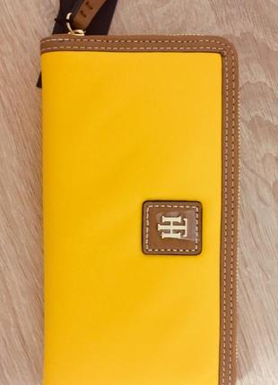 Кошелек tommy hilfiger julia solid nylon zip wallet
