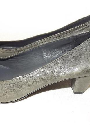 Кожаные туфли 37 размер