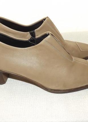 Закрытые туфли кожаные 40 размер rieker