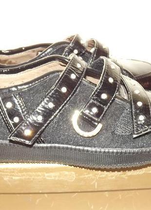 Туфли covani закрытые кожаные 35 размер 22 стелька