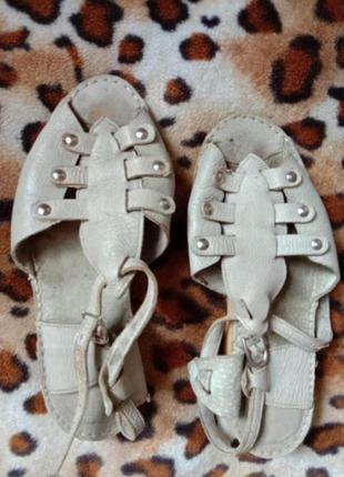 Кожа босоножки сандалии на ногу с широкой косточкой 39(25.5)
