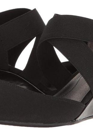 Туфли 43 р с закрытым носком на удобном каблуке большого размера