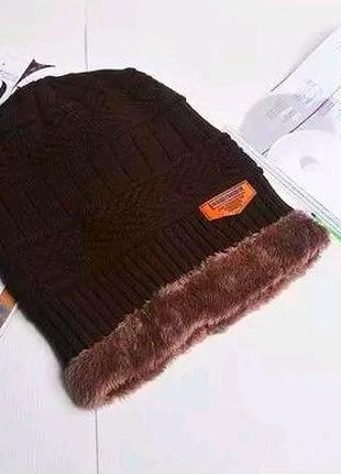 Теплая зимняя Шапка унисекс на флисовой подкладке