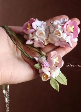"""Комплект украшний """"тюльпаны с фрезиями и гипсофилой"""""""
