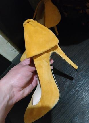 Фирменные замшевые туфли, лодочки