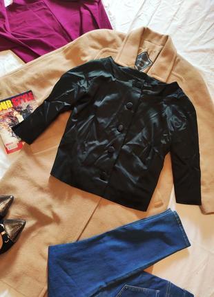 Пиджак жакет женский чёрный атласный укороченный рукав три чет...