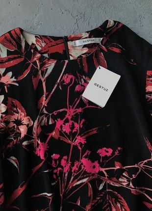 Скидки - 50% !!! новая блуза люксового бренда gestuz