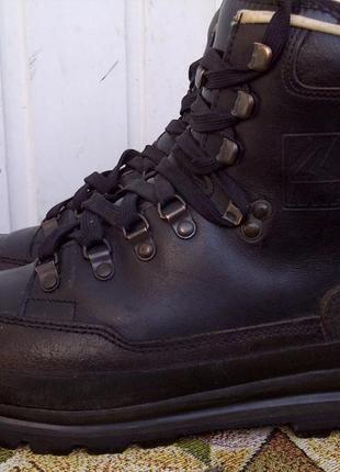 Треккинговые ботинки lowa