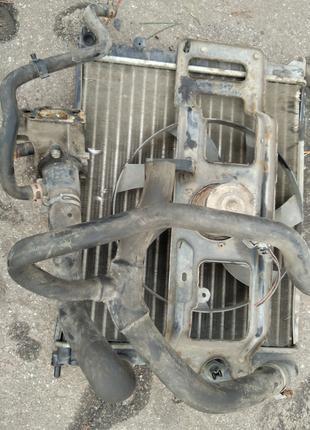Радиатор охлаждения двигателя на Renault