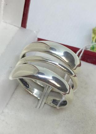 Новое красивое серебряное кольцо серебро 925 пробы