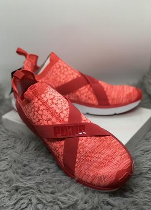 Яркие красные спортивные кроссовки puma оригинал
