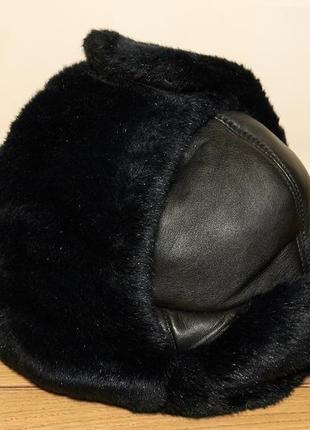 Зимняя шапка ушанка. кожа.