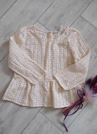 Красивая блузочка с баской и с прошвы.