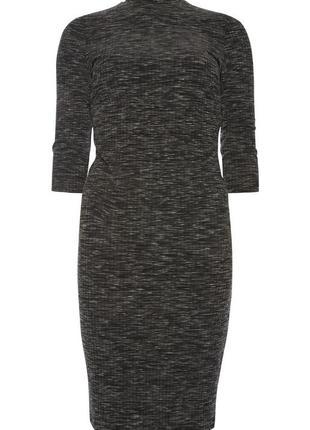 Базовое платье гольф облегающее меланжевое серое миди в рубчик