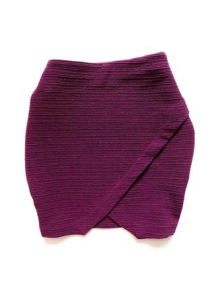 Фактурная асимметричная юбка