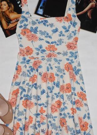 Красивое  фактурное платье/сарафан  в цветочный принт розы от ...