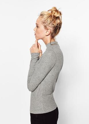 Стильный серый базовый свитер джемпер гольф в рубчик от zara