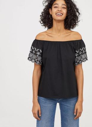 Хлопковая топ блузка блуза открытые плечи с ажурной вышивкой п...