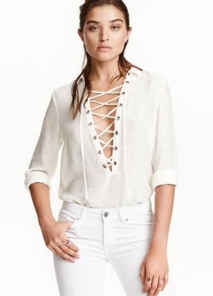 Белая блуза блузка рубашка со шнуровкой от h&m