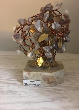 Статуэтка дерево с камнями агат полосатый