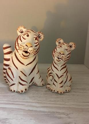 Статуэтки тигры, мама и дочь ручная работа