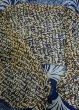Очень крутой шелковый шарф палантин louis vuitton.