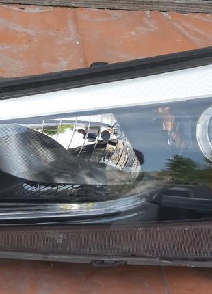 Hyundai Tucson Фара 92101D7201 92101-D7201