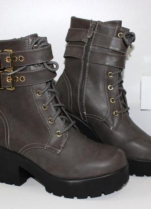 Женские ботинки на каблуке польша