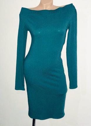 Платье резинка с открытыми плечами