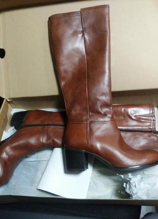 Новые кожаные сапоги bata, 41