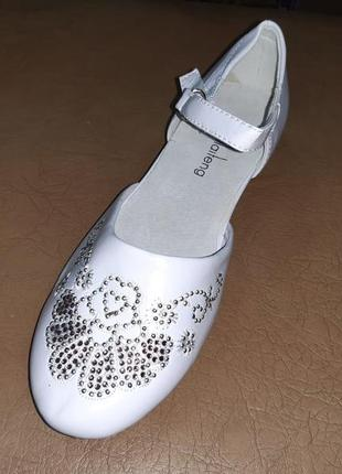 Белые туфли 33 34 35 р. kellaifeng на девочку, нарядные
