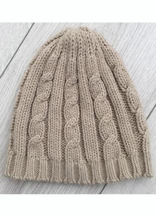Бежевая шапочка, легкая бежевая шапка.