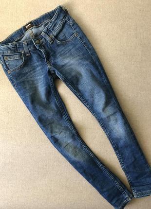 Очень крутые джинсы lee на мальчика 7-8 лет