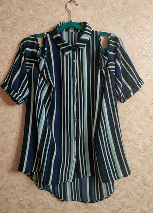 Блуза с вырезами на плечах quiz