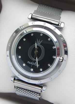 Женские наручные часы с вращающимся черным циферблатом, на маг...