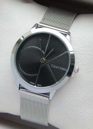 Женские часы Calvin Klein на сетчатом браслете, черный циферблат