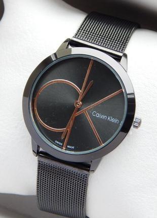 Кварцевые часы Calvin Klein на сетчатом браслете черного цвета