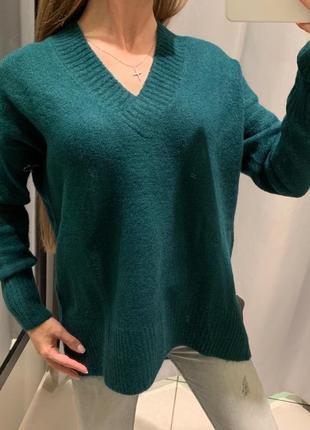Обьемный зелёный джемпер свитер с вырезом reserved есть размеры