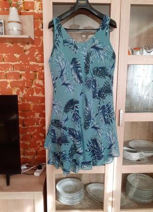 Котоновое с воланами платье большого размера италия