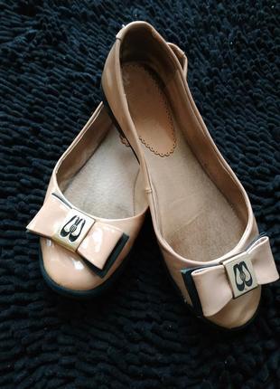 Туфли лаковые р.37