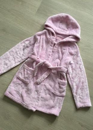 Мягенький нежно-розовый халат на девочку