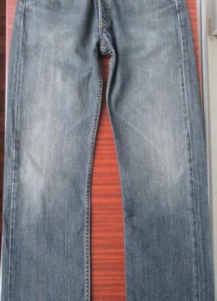 Джинсы levis w-30 l-32 (501)