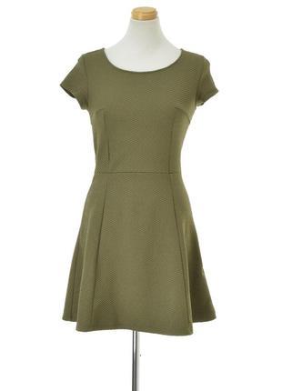 Оливковое фактурное платье h&m