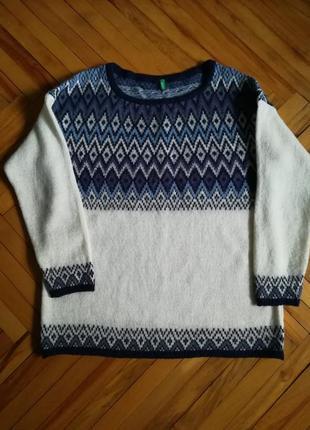Теплый шерстяной джемпер свитер