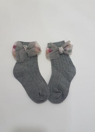 Стильные и нарядные носки для девочки